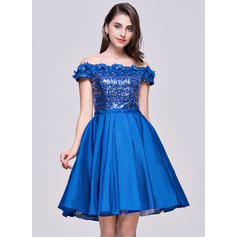 A-Line/Princess Off-the-Shoulder Knee-Length Taffeta Sequined Homecoming Dresses With Flower(s)
