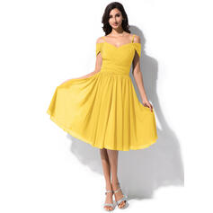 A-Line Off-the-Shoulder Knee-Length Chiffon Bridesmaid Dress With Ruffle (007063004)