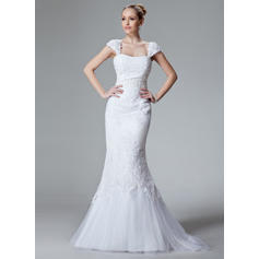 Trumpet/Mermaid Sweetheart Sweep Train Wedding Dresses With Lace Beading