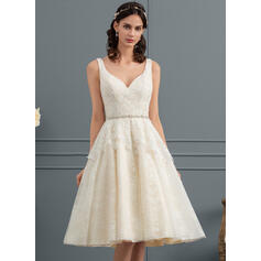 A-Line V-neck Knee-Length Tulle Lace Wedding Dress With Beading