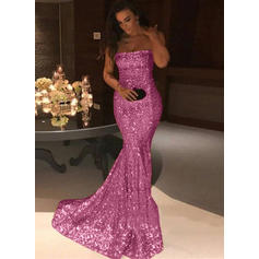 Sequined Sleeveless Trumpet/Mermaid Prom Dresses Strapless Sweep Train