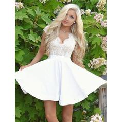 A-Line/Princess V-neck Short/Mini Satin Homecoming Dresses With Lace (022212466)