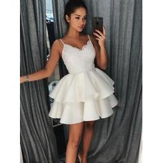 A-Line/Princess Ruffle Lace Homecoming Dresses V-neck Sleeveless Short/Mini