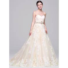 Glamorous Tulle Wedding Dresses Ball-Gown Court Train Sweetheart Sleeveless