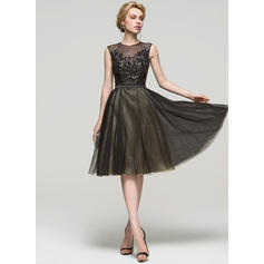 A-Line/Princess Scoop Neck Knee-Length Tulle Homecoming Dresses With Sequins