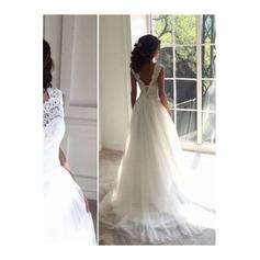 wedding dresses for pear shaped petite