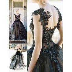 Tulle Sleeveless Ball-Gown Prom Dresses Sweetheart Lace Sweep Train