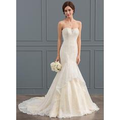 Trumpet/Mermaid Sweetheart Court Train Lace Wedding Dress (002127271)