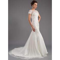 robes de mariée blanches et violettes