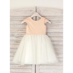 Chic Scoop Neck A-Line/Princess Flower Girl Dresses Knee-length Tulle/Sequined Sleeveless (010210136)