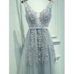 Tulle Sleeveless A-Line/Princess Prom Dresses V-neck Sash Appliques Lace Floor-Length