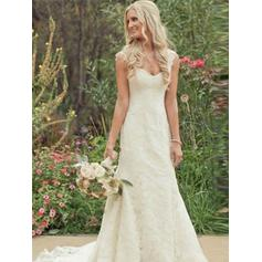 Elegant Chapel Train Trumpet/Mermaid Wedding Dresses Sweetheart Lace Sleeveless