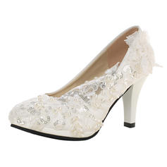 Vrouwen Patent Leather Cone Heel Pumps met Imitatie Parel Strass Stitching Lace Bloem