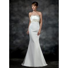 Trumpet/Mermaid Sweetheart Court Train Wedding Dresses With Ruffle Beading (002196855)