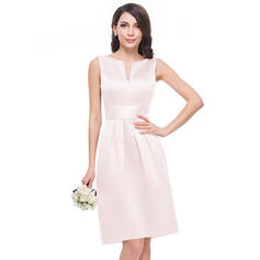 A-Line V-neck Knee-Length Satin Bridesmaid Dress (007060598)