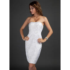 Sheath/Column Strapless Knee-Length Lace Cocktail Dresses