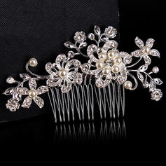 Combs & Barrettes Wedding/Special Occasion/Casual/Outdoor/Party Rhinestone/Alloy Beautiful Ladies Headpieces