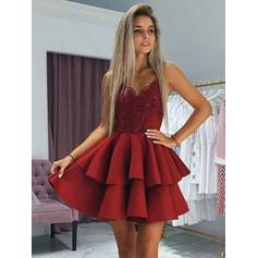 A-Line/Princess V-neck Short/Mini Homecoming Dresses With Ruffle Appliques