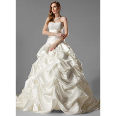 Delicate Chapel Train Ball-Gown Wedding Dresses Sweetheart Satin Sleeveless
