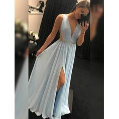 Vestidos princesa/ Formato A Tecido de seda Vestidos de baile Lisonjeiro Longos Decote V Sem magas (018219252)