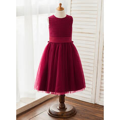A-Line/Princess Knee-length Flower Girl Dress - Tulle Sleeveless Scoop Neck With Sash (010125824)
