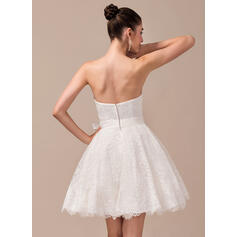 simple free flowing wedding dresses