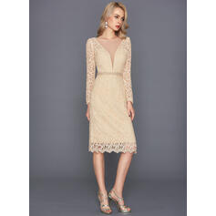 Sheath/Column Scoop Neck Knee-Length Lace Cocktail Dress With Beading Split Front