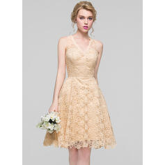 A-Line/Princess V-neck Knee-Length Lace Bridesmaid Dress (007094024)