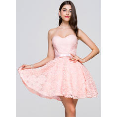 Sweetheart Sleeveless Lace Simple Homecoming Dresses