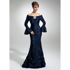 Charmeuse Long Sleeves Mother of the Bride Dresses Off-the-Shoulder Trumpet/Mermaid Ruffle Crystal Brooch Floor-Length