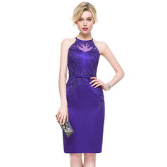 Sheath/Column Scoop Neck Knee-Length Satin Cocktail Dress With Appliques Lace Bow(s)