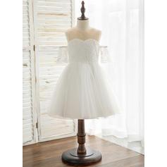 A-Line/Princess Knee-length Flower Girl Dress - Tulle/Lace Short Sleeves Scoop Neck