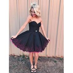 A-Line/Princess Sweetheart Short/Mini Homecoming Dresses With Lace Beading