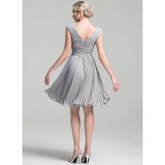 flattering black cocktail dresses