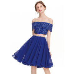 A-Line/Princess Off-the-Shoulder Knee-Length Chiffon Homecoming Dresses With Beading Sequins (022214175)