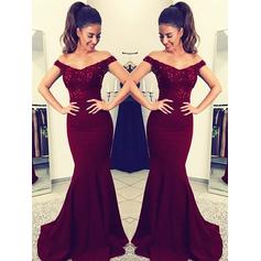 Charmeuse Sleeveless Trumpet/Mermaid Prom Dresses Off-the-Shoulder Lace Sweep Train