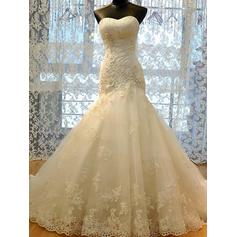 Elegant Court Train Trumpet/Mermaid Wedding Dresses Sweetheart Tulle Sleeveless