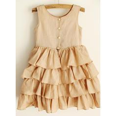 Stunning Scoop Neck A-Line/Princess Flower Girl Dresses Knee-length Satin Sleeveless (010196731)