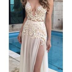 A-Line/Princess V-neck Floor-Length Chiffon Evening Dresses With Appliques Lace
