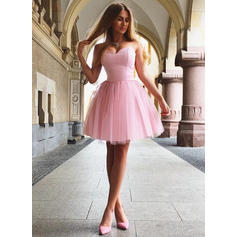 A-Line/Princess Sweetheart Tulle Sleeveless Short/Mini Ruffle Homecoming Dresses