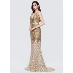 Trumpet/Mermaid V-neck Sweep Train Sequined Evening Dress With Beading (017154026)