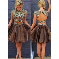 A-Line/Princess Tulle Cocktail Dresses Beading Scoop Neck Short Sleeves Knee-Length Detachable