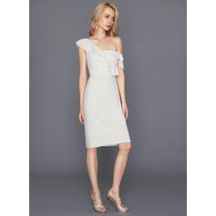 une des robes de cocktail aimables