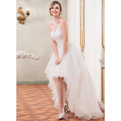 fjer på brudekjoler