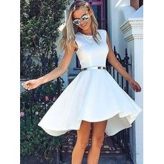 A-Line/Princess Scoop Neck Knee-Length Homecoming Dresses With Sash