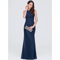 evening dresses for hourglass figure uk