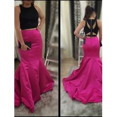 Satin Sleeveless Trumpet/Mermaid Prom Dresses Scoop Neck Sweep Train