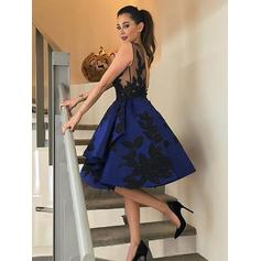 A-Line/Princess Scoop Neck Knee-Length Satin Homecoming Dresses