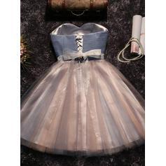 Plissé Ceintures Brodé À ruban(s) Forme Princesse Court/Mini Tulle Robes de soirée étudiante (022216262)