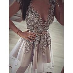 A-Line/Princess V-neck Organza Sleeveless Short/Mini Sequins Homecoming Dresses